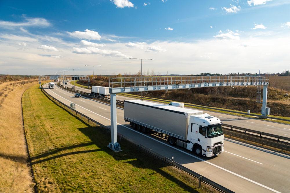 viaTOLL – system poboru opłat drogowych dla ciężarówek - e-tollgps.pl
